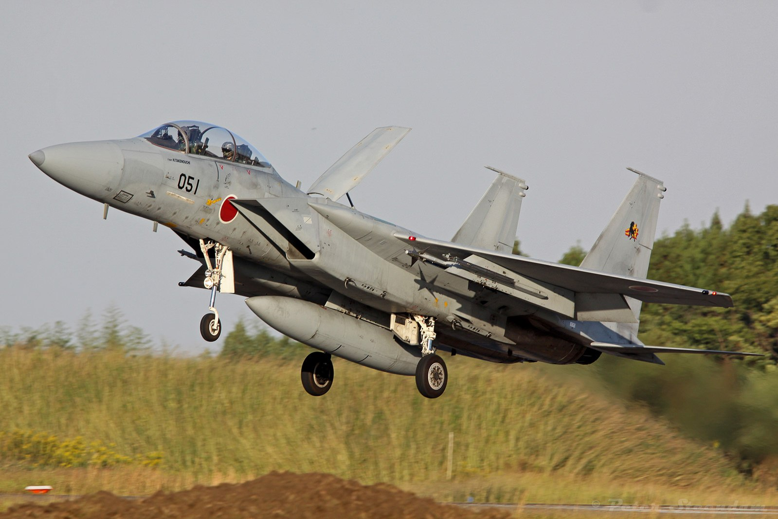 f-15dj-12-8051-23-tfs-landing_mod_fb